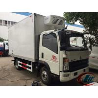 China LHD RHD Howo 4X2 Refrigerated Box Truck , 4t Frozen Meat Delivery Trucks